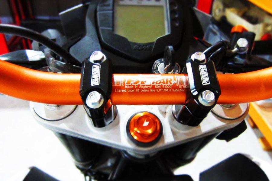 KTM Duke 200 Handlebar and centre bolt